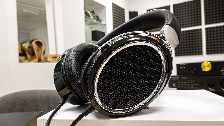 TAKSTAR HF580