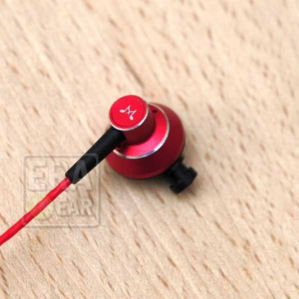 SoundMagic ES20 Red